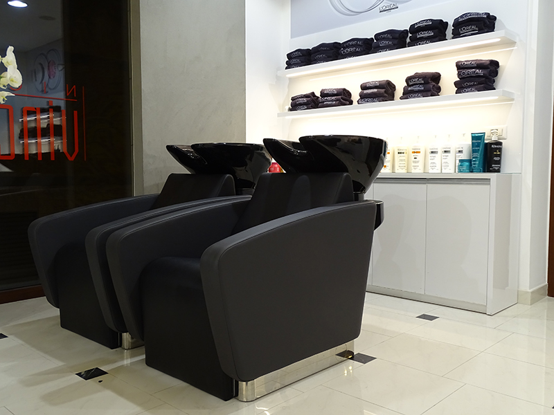 Taranto italia saloni realizzati saloni karisma for Karisma arredamenti parrucchieri
