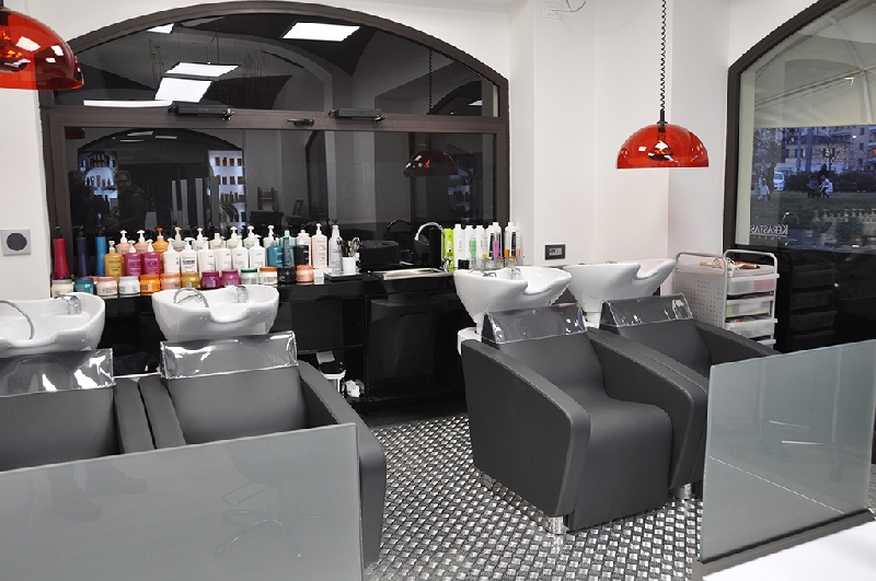 Biella italy salons company karisma beauty design for Design x salon furniture